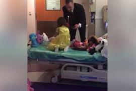 La sorpresa viral de un padre a su hija el día que acabó la quimioterapia