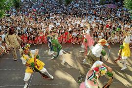 Un grupo de vecinos de Montuïri reivindica que las mujeres puedan danzar los Cossiers