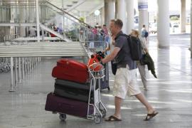 El PP de Ibiza, en contra de la prohibición del alcohol en el «todo incluido»