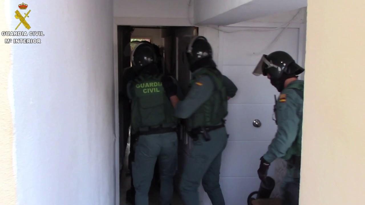 Los detenidos en la operación antidroga gestionaban un punto de venta «muy activo en la vía pública»