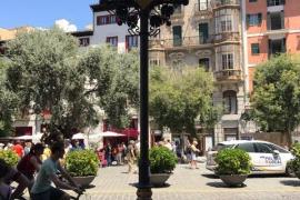 Sustituyen las farolas deterioradas que se encuentran junto a la fachada del Ayuntamiento de Palma
