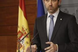 José Ramón Bauzá dice que Arcadi Espada es un «valiente» por pintar en un lazo amarillo