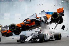 Alonso se queda fuera del G.P. de Bélgica en la primera curva