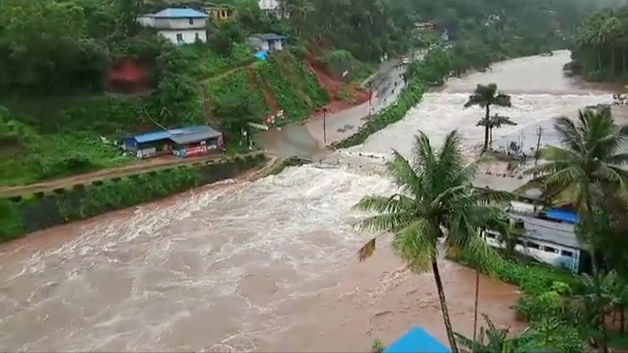 Mil muertos en la India a consecuencia de las graves inundaciones