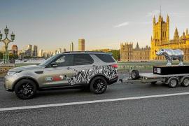 Land Rover colabora activamente con el proyecto benéfico 'Tusk Rhino Trail'