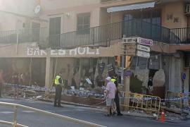 La terraza de un primer piso se derrumba sobre un bar en Binissalem