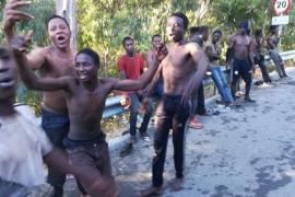 Detenidos 10 migrantes acusados de organización criminal, atentado y lesiones por el salto «violento» a Ceuta en julio