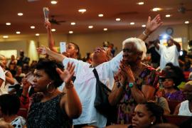 Miles de personas despiden a Aretha Franklin