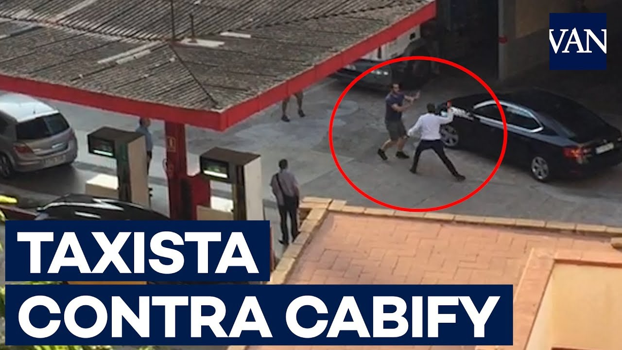 Un taxista y un conductor de VTC se pelean en una gasolinera de Barcelona