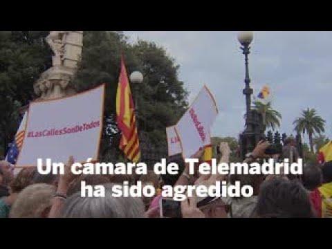 Asistentes a la concentración de Ciudadanos contra los lazos amarillos agreden a un cámara de Telemadrid