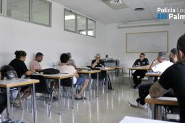 La Policía Local de Palma y representantes del sector de alquiler VTC se reúnen para regular las condiciones de circulación de estos vehículos