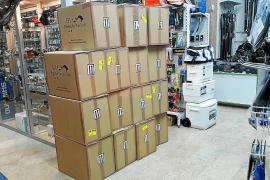 Las tiendas de pesca venden en un solo día hasta 85 kilos de gamba para el 'raor'