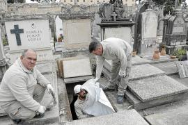 Las exhumaciones en el cementerio casi se han multiplicado por 10 este año