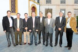 El Grup Serra reúne a políticos y empresarios con motivo del Dijous Bo