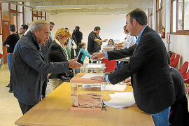 El PSOE pierde las elecciones en sus feudos
