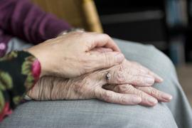 El precioso mensaje de una hija sobre su madre enferma de Alzheimer