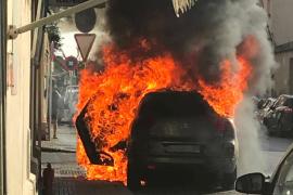 Arde un coche en Son Cladera