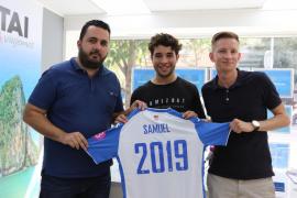 Samuel Shashoua, 'emocionado' en su presentación como nuevo jugador del Atlètic Balears