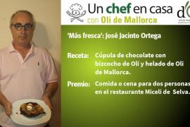 Cúpula de chocolate, bizcocho de Oli y helado de Oli de José Jacinto Ortega