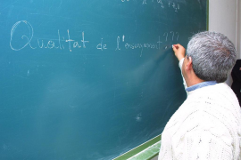 El Gobierno «devolverá» a las comunidades autónomas la capacidad de decidir «la carga lectiva de sus docentes»