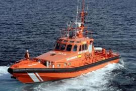 Dos heridos graves y cuatro leves en el choque de un barco con un islote en Ibiza