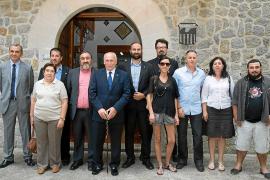 Los socios del alcalde de Valldemossa exigen la retirada de honores al rey Juan Carlos