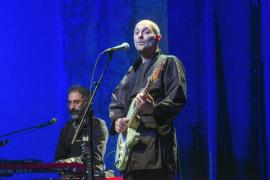 Joan Miquel Oliver «salva el planeta» en su nuevo disco