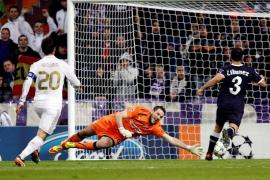 Benzema desata una noche de fiesta sin Cristiano
