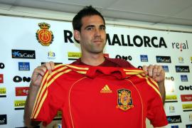 Fernando Navarro cuelga las botas y recuerda al Mallorca