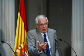 El pueblo de Josep Borrell hará una consulta para rebautizar la calle que lleva su nombre