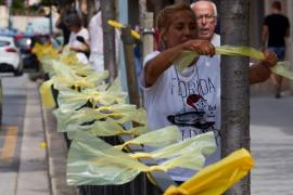 El juez archiva una denuncia de los Mossos por quitar lazos amarillos