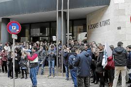 Primeras movilizaciones por el despido de 300 interinos de los juzgados