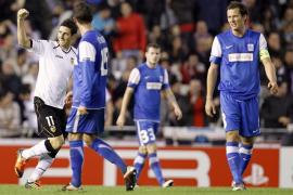 Soldado comanda una goleada histórica (7-0) pero el Valencia se la jugará en Londres