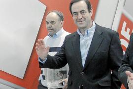 Bono sugiere al PSOE apostar «a la grande» por España y dejar los territorios
