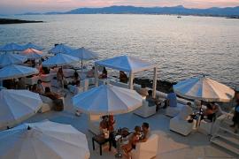 'Beach clubs' en Mallorca para relajarse al borde del mar