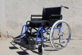 Muere una anciana al volcar su silla de ruedas a la salida de misa