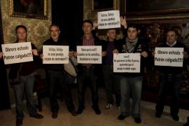 El Comité de Empresa de la EMT protesta en Cort contra las medidas de Mobilitat