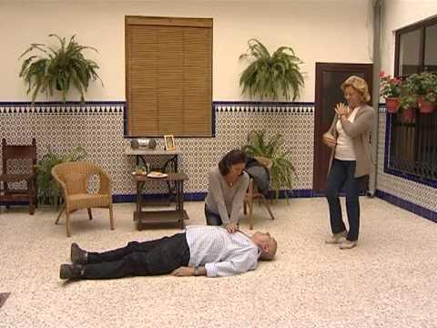 Cómo salvar vidas a ritmo de 'La Macarena', el cómico vídeo de una televisión andaluza