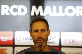 A Vicente Moreno no le 'cuadran' los números del límite salarial del Real Mallorca