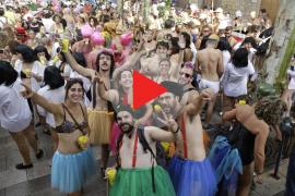Cientos de personas se divierten en la 'Correguda en roba interior' de Bunyola