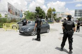 Hallan a un hombre inconsciente en el coche que había robado días antes en Sant Josep