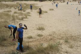 Un centenar de voluntarios retira más de 200 kilos de residuos de las calas vírgenes de Artà