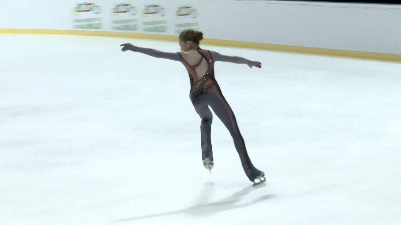 Una niña de 14 años realiza una pirueta inédita en el patinaje femenino