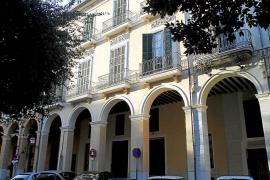 El Govern pondrá a la venta el edificio junto al Parlament que el Pacte compró por 8 millones