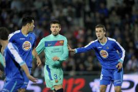 El Barcelona se deja un trozo de Liga y tres puntos en el Coliseum