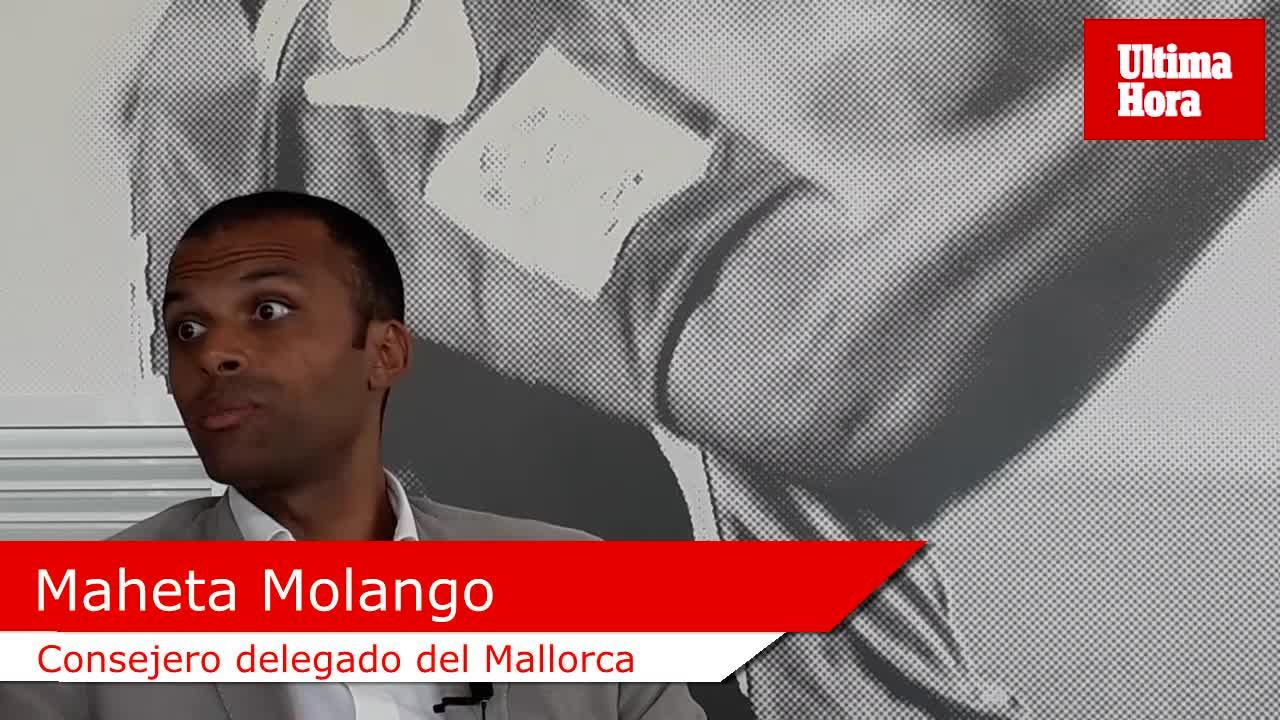 Molango pasa revista