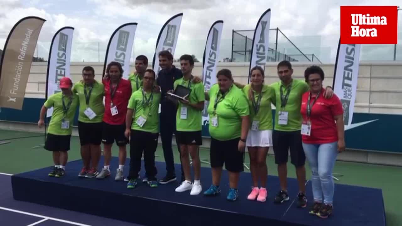 Rafa Nadal clausura en Manacor el torneo 'Más que Tenis'