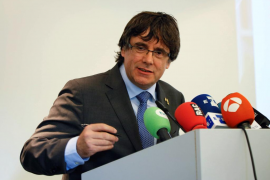 Puigdemont pide movilizaciones para defender las instituciones de Cataluña