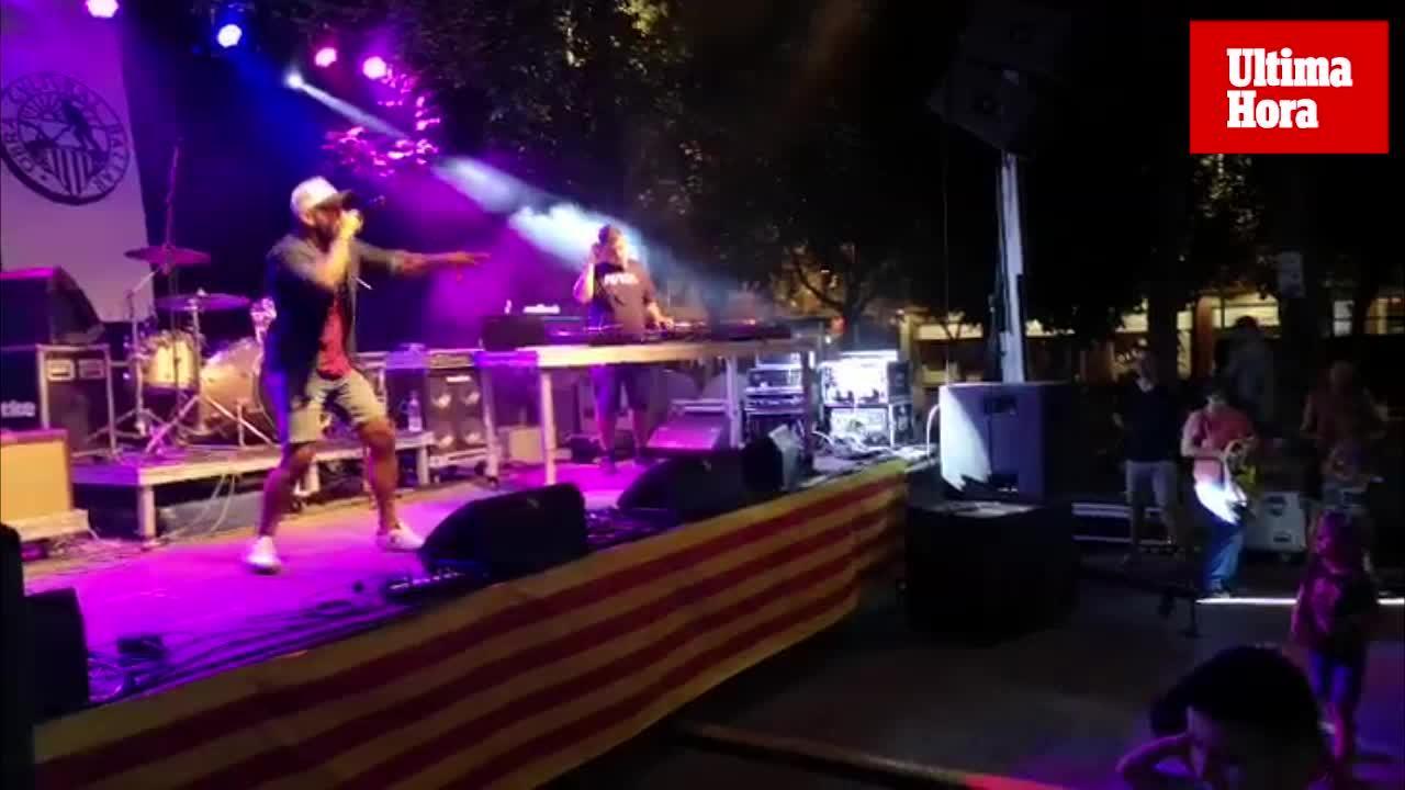 El rapero Pablo Hasel actúa en la Diada Cultural organizada por la OCB