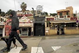 Prisión para los tres detenidos por dar una brutal paliza a un joven en la calle Joan Miró